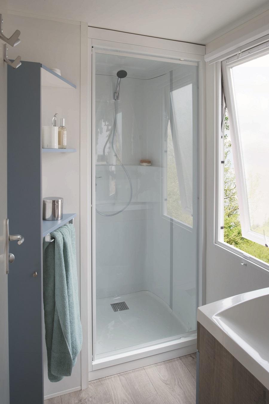 Location en camping montignac camping la nouvelle croze - Mobil home chambres salles de bain ...