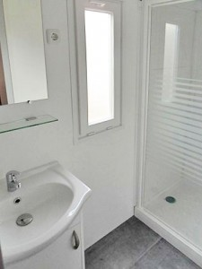 salle-deau-2-4-places-mobile-home-dordogne