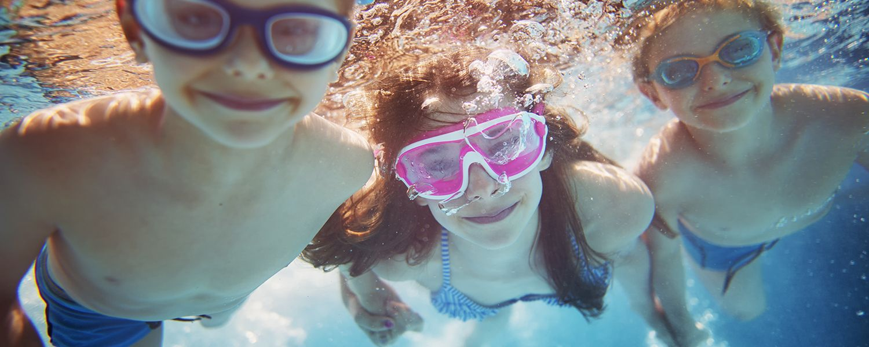 piscine-enfants-camping-dordogne